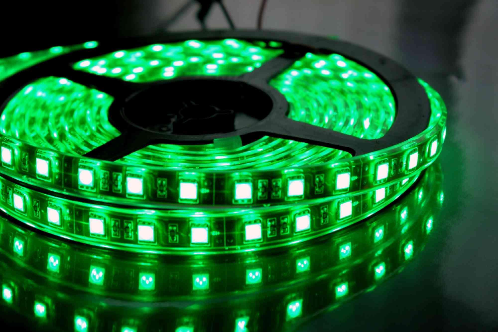 Светодиодная лента на гарнитуре диско фото